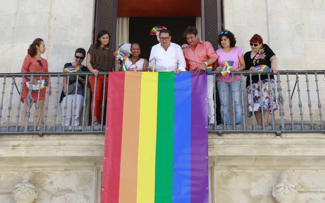 IU Sanlúcar impulsa una declaración institucional en defensa de los derechos LGTBI